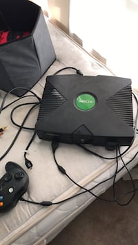 black Xbox Original console with controller Millbrook, 60560