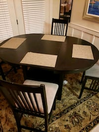 High top table with collapsible leaf and 4 chairs