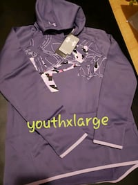 Youth hoodies all new only one not Cornwall, K6H 2H1