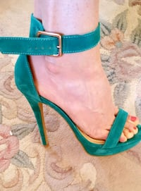 Lovely suede high heels in green size 8 Greater London, SW19 8NP
