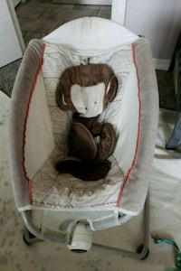 baby's white and brown rock and play sleeper El Paso, 79928