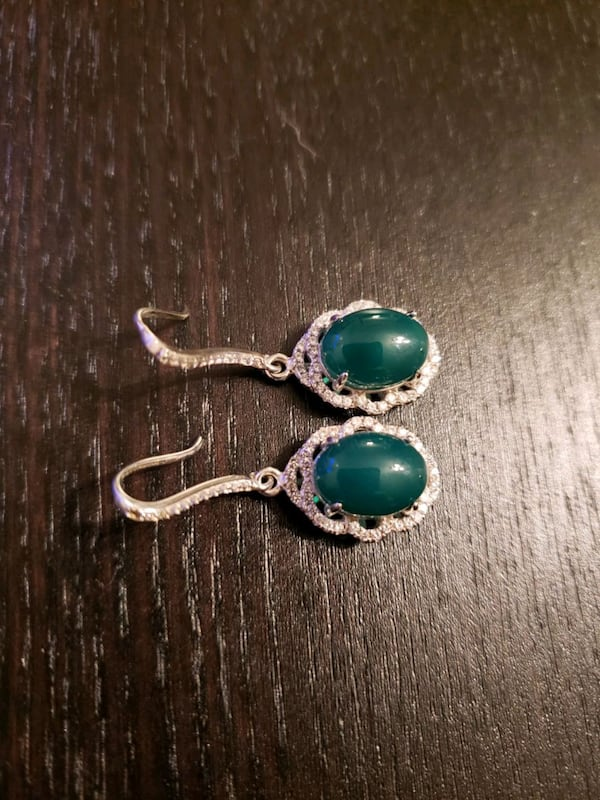 Jade sterling silver earrings a932a7bb-9334-4b64-a5ad-69e6698b8605