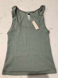 SKIMS Kim Kardashian New Ribbed Tank Top Size Small Khaki Green Vancouver, V5Z