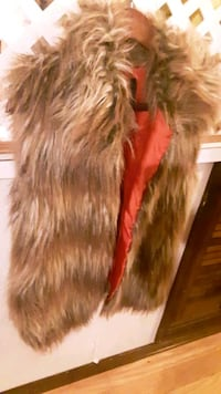 Woman's Faux Fur Vest NEW WITH TAGS
