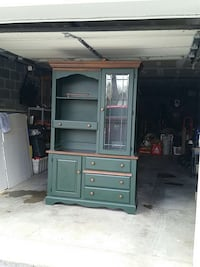 Hunter green & natural oak hutch and table/chairs