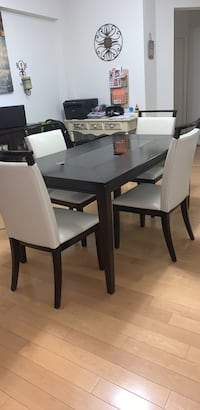 Dining Table Pikesville, 21208