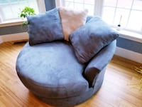 Blue round sofa for family room  Springfield, 62704