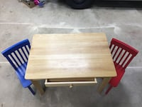 Kid Kraft Childs table and 2 chairs Sykesville