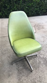 5 green chairs Los Angeles, 90016