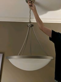 Dinign Room Light Fixture St. Catharines, L2N 6E3