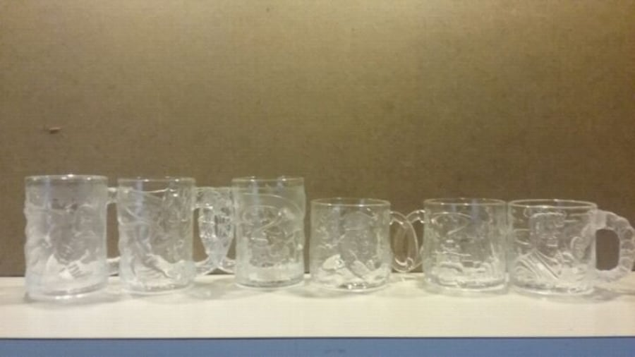 McDonald's Batman Forver 1995 glass/mug set 98efe020-19e7-4fab-ba12-617a57c7c7df