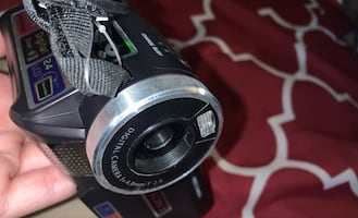 Sony HDEXPS digital zoom video camera with bag and cords