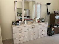 white wash wooden dresser with mirror Southampton, 18966