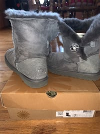 Women's uggs Bailey button boots
