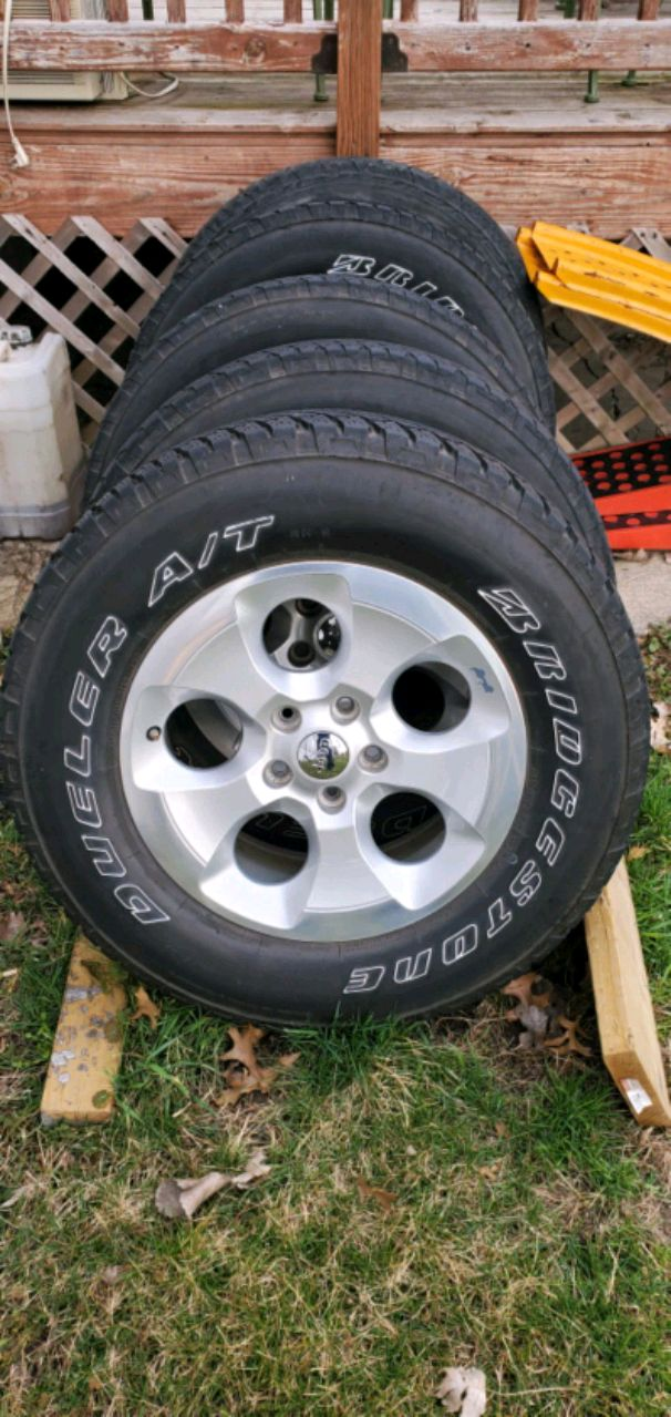 Photo Jeep Wrangler Wheels and Tires