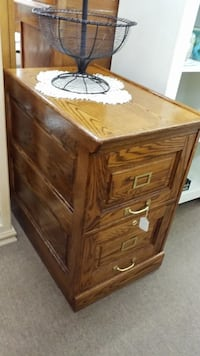 Oak 2 Drawer File Cabinet Mesa