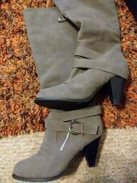 pair of gray suede chunky heeled wide-calf boots Radcliff, 40160