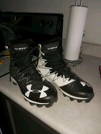 UA High Top Cleats BARELY WORN  Brantford, N3T 5L5