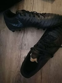 Adidas all black soccer cleats US size 11 men's Washington, 20003