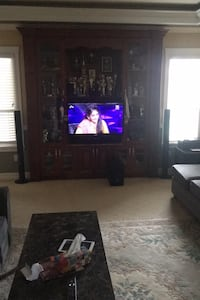 Tv with speakers and wall mount