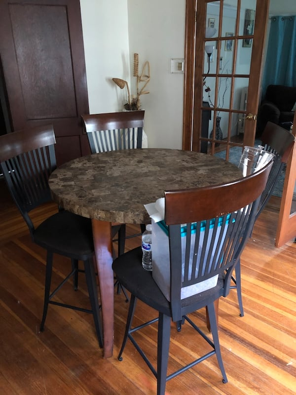Dining table and chairs $125 obo 2