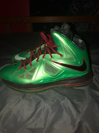 green-and-black Nike basketball shoes Piscataway, 08854