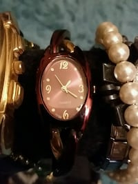 round gold analog watch with gold link bracelet Frederick, 21702