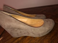 Pair of gray ana wedge shoes Sherwood, 72120