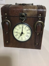 Leather chest & analog table clock Toronto, M2J 2C5