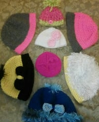 Messy bun and winter hats ALL for $20 Tulsa, 74115