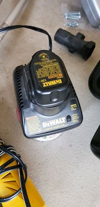 Dewalt 7.2v battery charger with battery.