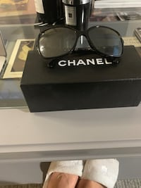 Chanel sunglasses. Polarized. Montréal, H3B 5K1