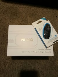virtual reality headset with Bluetooth remote