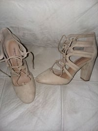Size 6 Nude heels Sioux Falls, 57108