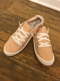 Peach slip on sneakers  Conway, 29526