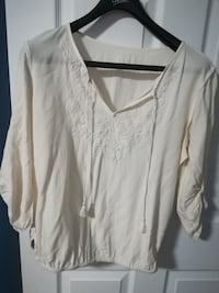 white floral pullover long-sleeve shrit Levis, G6V