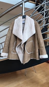 Fake Shearling Fall Coat Toronto, M6G 2Y5