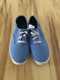 Blue shoes size 8 (New) Frederick, 21703