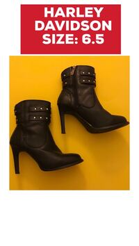 pair of black leather booties Pickering, L1V 1N9