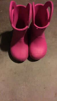 Pink rain boots Richmond, 94804