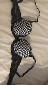 32C black and white patterned, lightly lined, dream angles Victoria's Secret bra with lace detailing  Ann Arbor, 48104