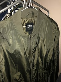 Brand new green bomber jacket  Toronto, M6M 5B3