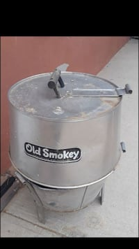 grey steel Old Smokey smoker El Paso, 79928
