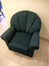Forest green armchair  Vancouver, V5P 2V2