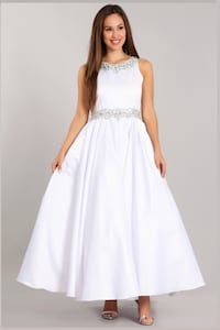 Girl Dress, White, Size 14 (Ball Gown) Calgary, T3L 2G4