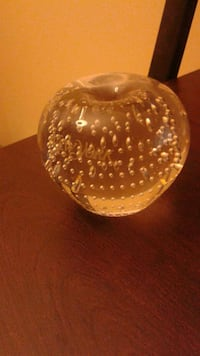 Decorative paper weight