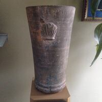Decorative stone vase 11 inches tall Toronto, M8Y 1G4