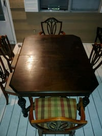 dining table and 5 vintage chairs Hallsville, 75650