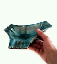 Vintage pottery ashtray or candy dish in great vin 542 km