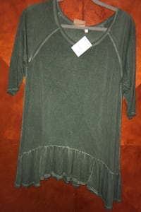 Size large top new Revere, 02151